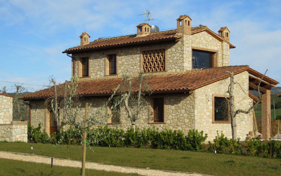 Casa moderna roma italy parete in pietra da interno for Casa in pietra moderna