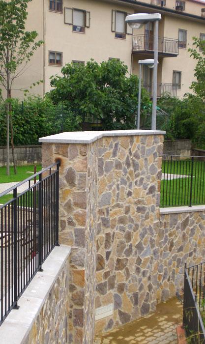 Casa moderna, roma italy: pannelli in pietra per interni prezzi